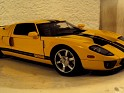 1:18 - Auto Art - Ford - GT - 2004 - Yellow W/Black Stripes - Street - 0