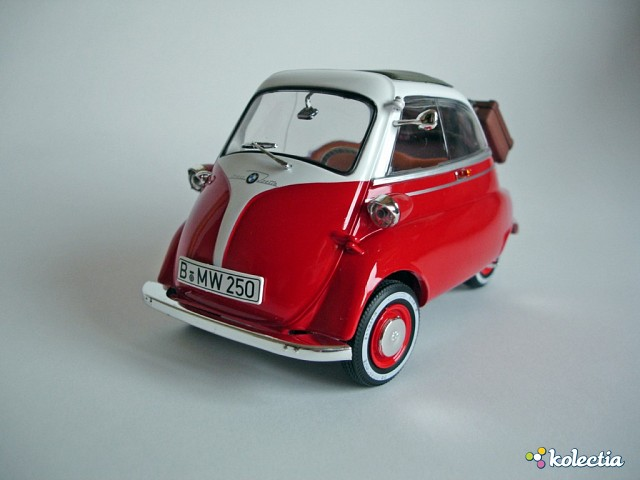 1 18 revell bmw isetta 250 1955 red white kolectia. Black Bedroom Furniture Sets. Home Design Ideas